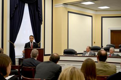 Hirschberg briefing the Army Aviation Caucus